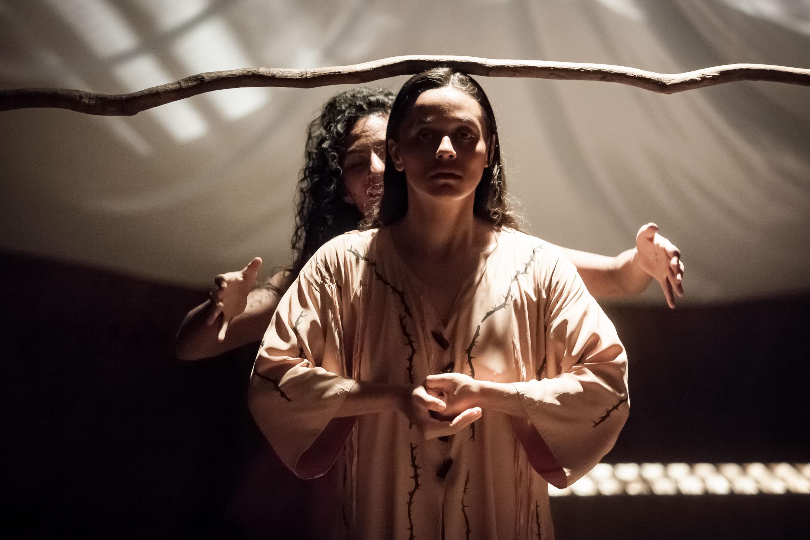 """""""El Divino Narciso"""", Teatro de La Rendija, de México. Dirección: Raquel Araujo. Foto: Cortesía Casa de Las Américas."""