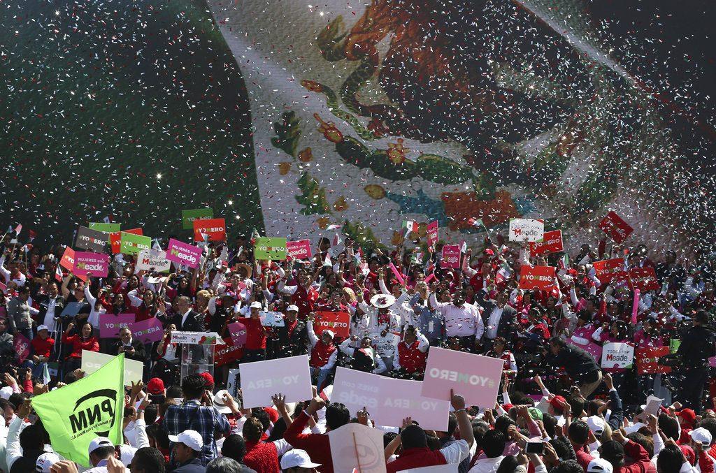 Acto del Partido Revolucionario Institucional en Ciudad de México en febrero de 2018. El PRI, partido gobernante, introdujo cambios en su conducción el 2 de mayo, encontrándose muy retrasado en las encuestas de cara a la elección presidencial del 1ro de julio. Foto: Marco Ugarte / AP.