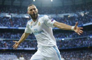 Karim Benzema del Real Madrid festeja tras marca el primer gol en el empate 2-2 contra Bayern Múnich. Foto: Paul White / AP.