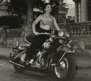 Cantante y bailarina Lina Salomé. Foto: Cuba Then / Colección de Ramiro A. Fernández / thecut.com