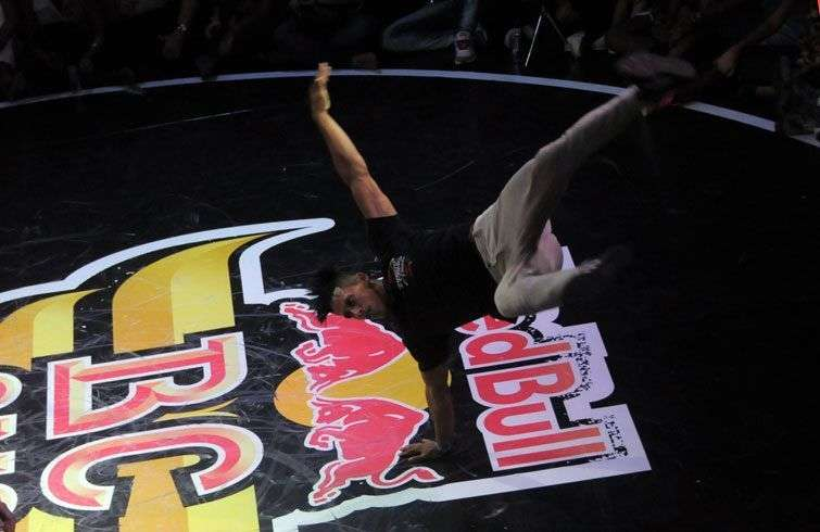 Pelezinho and B-Boy Arex, two world break dance stars came to the contest / Foto: Roberto Ruiz