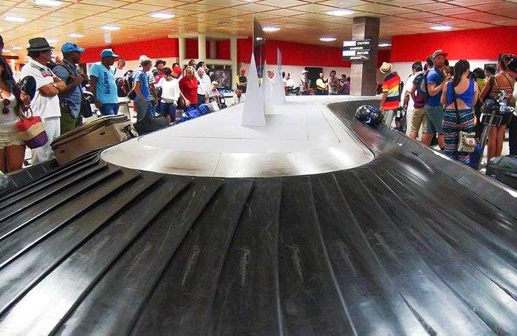 Esteras en el en el Aeropuerto Internacional José Martí de La Habana