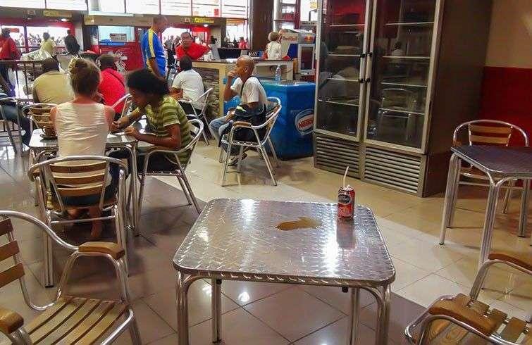 Cafetería en el en el Aeropuerto Internacional José Martí de La Habana
