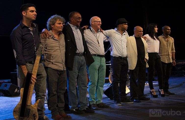 Concierto de Roberto Fonseca en el Teatro Mella / Foto: Roberto Ruiz.