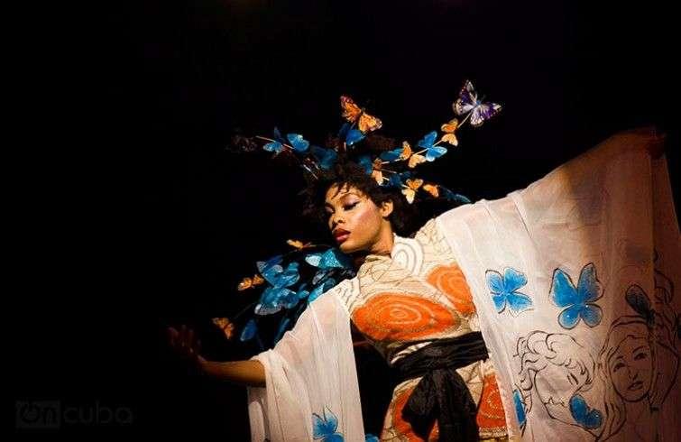 En Arte y Moda las modelos también son artistas / Foto: Roby Gallego.