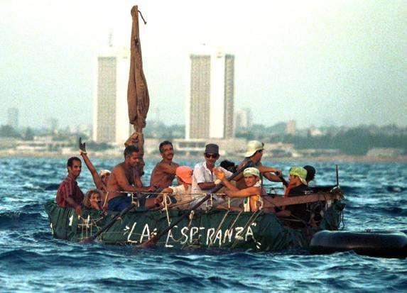 Luego del 17D las cifras de cubanos que se han aventurado al mar para tocar tierra estadounidense se han multiplicado por el miedo a que cesen los privilegios de la política Pies Secos Pies Mojados