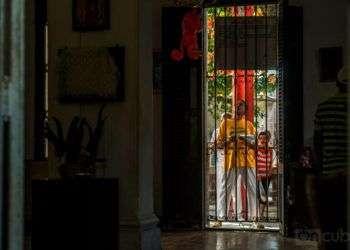Desde la llamada Casona de Diez de Octubre, cada principio de enero la Letra del Año vaticina penurias y fortunas / Foto: Carlos Ernesto Escalona Martí (Kako).