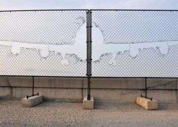 """Obra de la intervención """"Detrás del muro"""", de la Oncena Bienal"""
