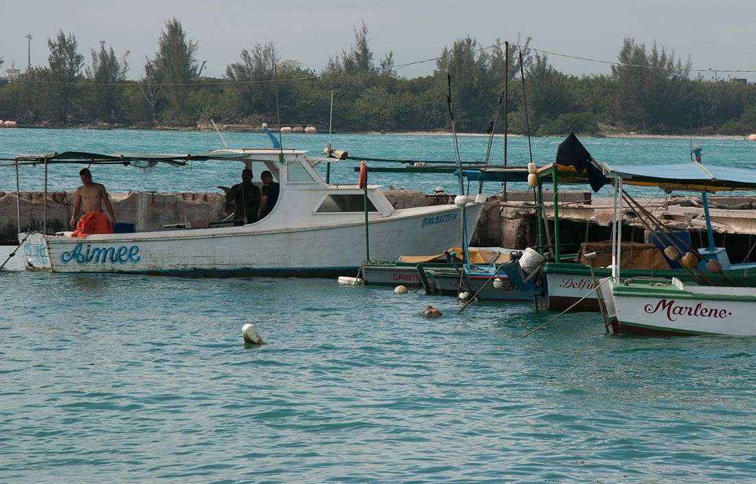 En Cuba los ciudadanos pueden hacerse a la mar barcos particulares por un máximo de 3 días con solo enseñar su carnet de identidad. / Foto: Raquel Pérez Díaz