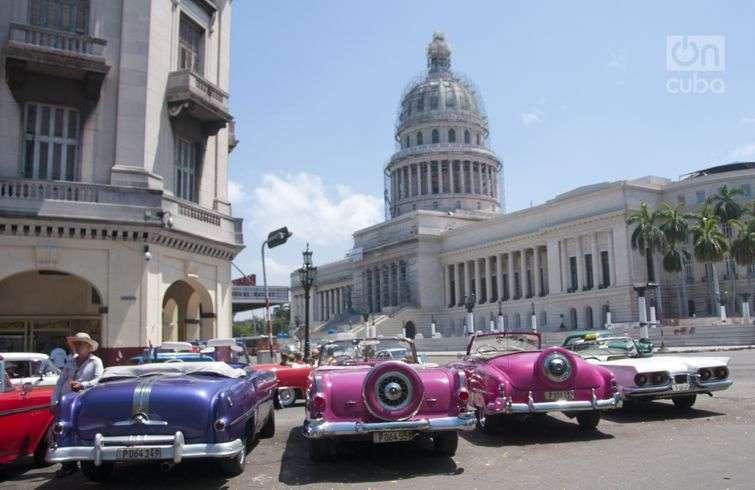 Old American cars are part of Cuba's tourist iconography. Photo: Roberto Ruiz.