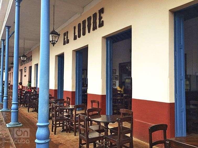 El Louvre, la cafetería más antigua de Cuba. Foto: Tania Lorenzo