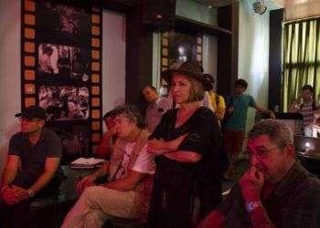 Asamblea en el centro cultural Fresa y Chocolate. Foto: Claudio Peláez Sordo