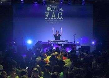 Las noches del verano en la Fac siempre tendrán conciertos con varios artistas.