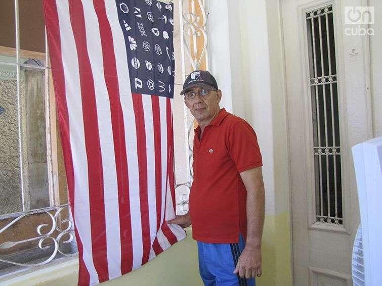 Julio Gómez, dueño de una cafetería / Foto: Lidia Hernández Tapia
