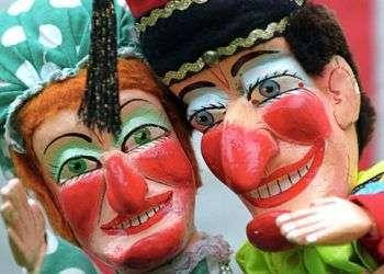 Punch y su esposa Judy son los dos personajes principales de los títeres de cachiporra ingleses