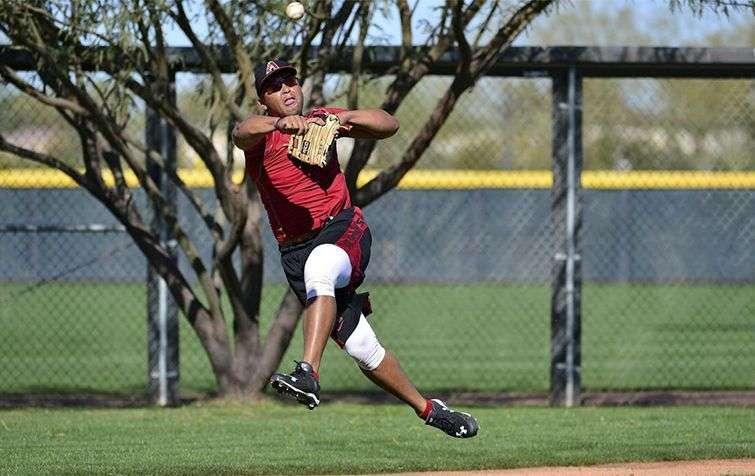 Al llegar a los Diamondbacks, Tomás tuvo que someterse a un riguroso entrenamiento defensivo en tercera base / Foto: MLB