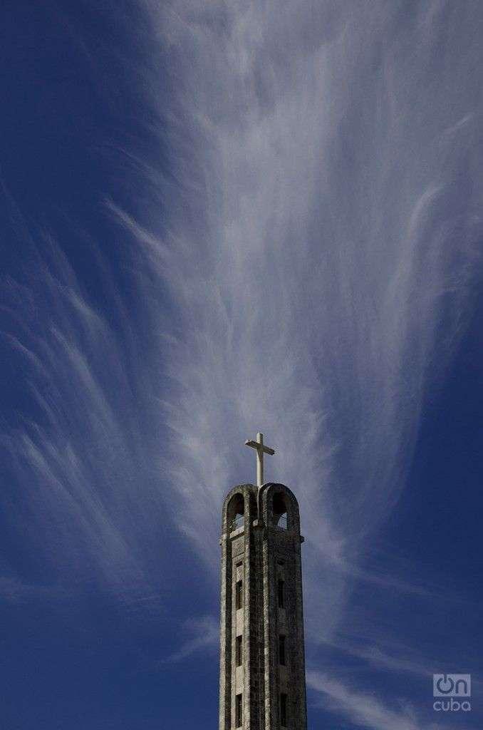 Iglesia-católica8-678x1024
