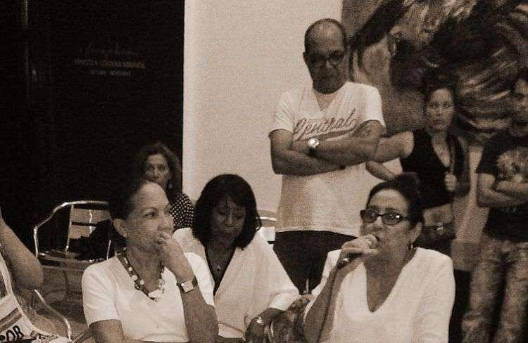 Reunión de cineastas ayer 31 de octubre en el CCC Fresa y Chocolate del ICAIC.