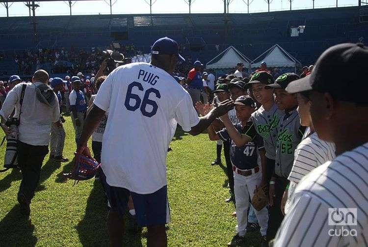 Clínica impartida por jugadores de MLB en Cuba en diciembre de 2015. Foto: Roberto Ruiz.