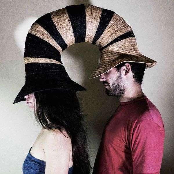 Link Hat,de los diseñadores Raiko Valladares y José Antonio Villa Sené, para una exposición abierta desarrollada en la Fábrica de Arte Cubano de La Habana / Ilustración: Geo-graficas.com