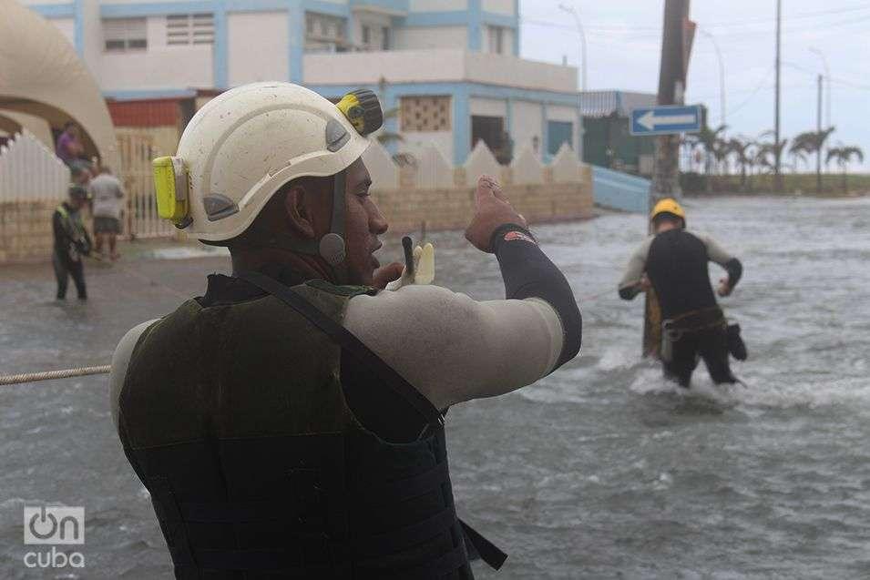Inundación-del-Malecón-Penetración-del-Mar-en-La-Habana-Cuba-Invierno-de-Enero-2015-9