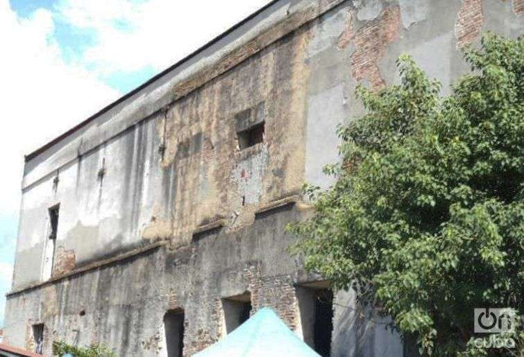 Pared lateral del Teatro Oriente / Foto: Reinaldo Cedeño