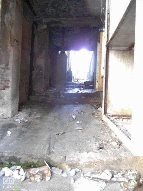 Una de la salidas laterales teatro Oriente / Foto: Reinaldo Cedeño