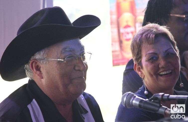 Eliades Ochoa y su hermana María / Foto: Roberto Ruiz