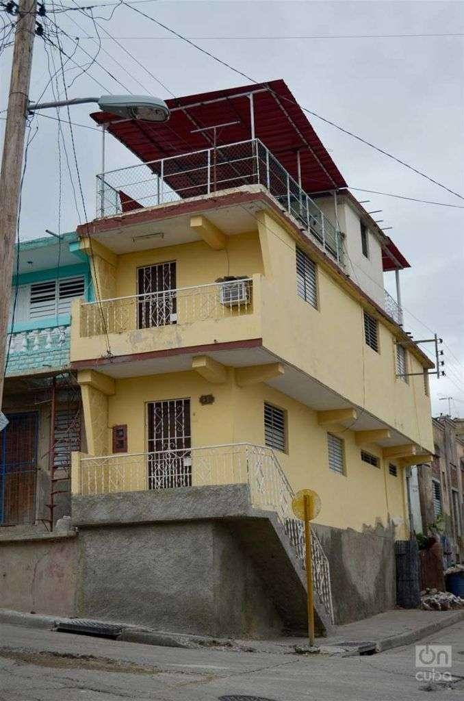 Edificación construida con violaciones a la norma antisísmica. Foto: José Roberto Loo Vázquez