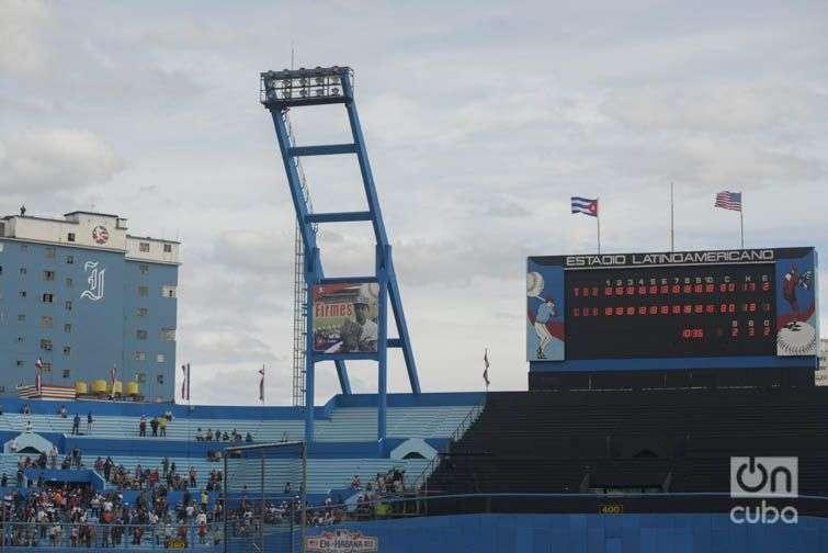 El Latinoamericano durante la visita del Presidente Obama a Cuba donde se celebró un juego entre el Tampa Bay Rays y el Cuba. Foto: Alain L. Gutiérrez Almeida.