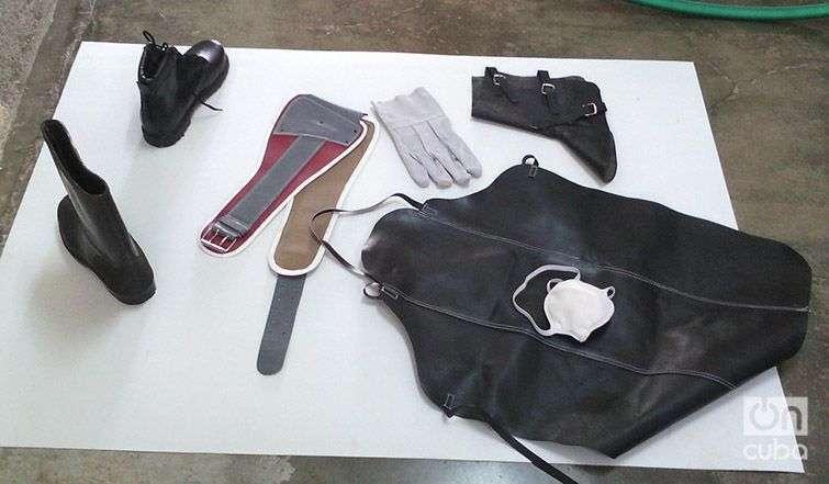 Medios de protección fabricados en el taller de Placetas. Foto: Grether Saura