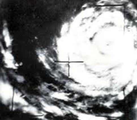 Primer Ciclón Tropical captado por satélite meteorológico.