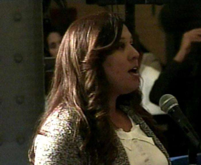 Indhira Sotillo interviene en el encuentro de los emprendedores cubanos con el presidente Barack Obama. Foto: TV Cubana