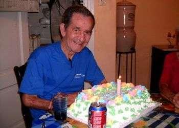 Héctor Zumbado cuando cumplió 80 años. Foto: enrisco.blogspot.com