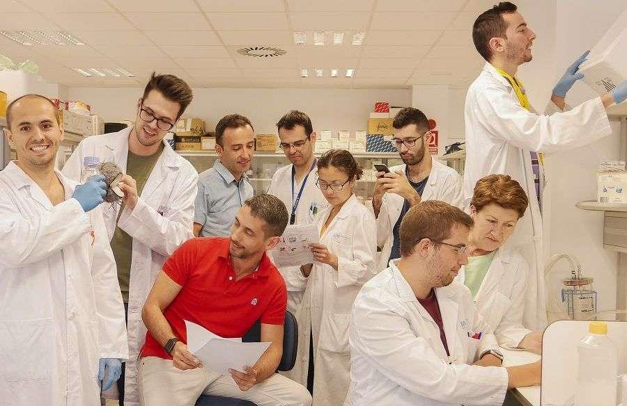 Staff del Laboratorio del Dr. Lopez-Collazo. Foto: Cortesía del entrevistado