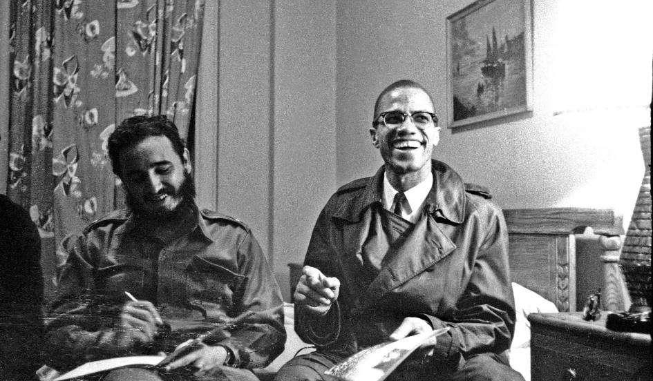 Fidel Castro recibe al líder afroamericano, Malcom X.