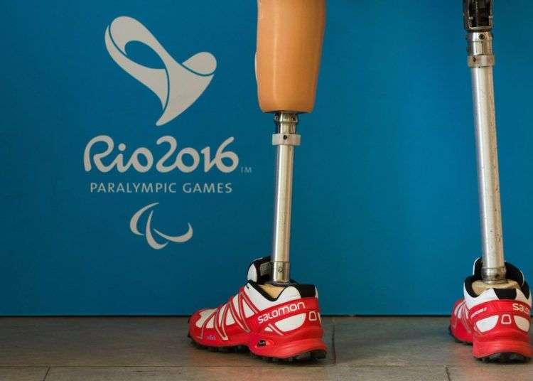 Un atleta con prótesis en las piernas en la Villa Paralímpica de Río de Janeiro. Foto: Al Tielemans / OIS / IOC AFP.
