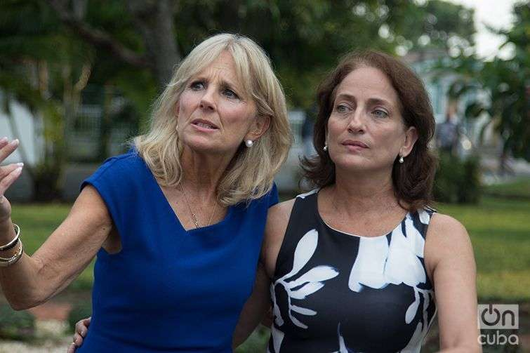 Jill Biden junto a Regina Balaguer. Foto: Ismario Rodríguez.