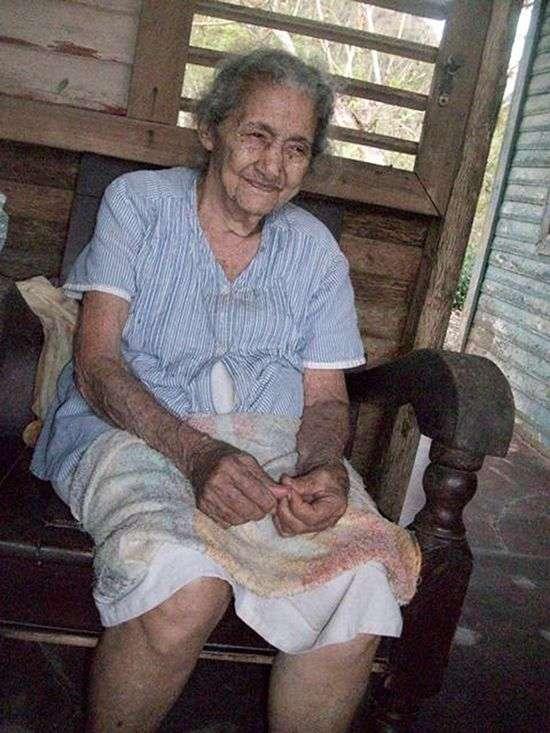 A sus 96 años Paulina Leiva ha perdido muchas cosas en esta vida. Foto: JR.