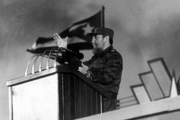 Fidel durante un discurso en 1998. Foto: Rafael Perez / AFP