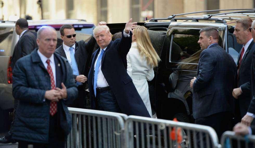El candidato republicano, Donald Trump, se dirige a votar en un colegio electoral de Nueva York. Foto: Robyn Beck / AFP.