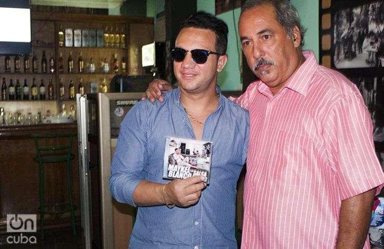 Maykel Blanco y Enrique Pérez Mesa se sienten muy entusiasmados con el concierto del sábado venidero en el Teatro Nacional. Foto: Yelanys Hernández Fusté.