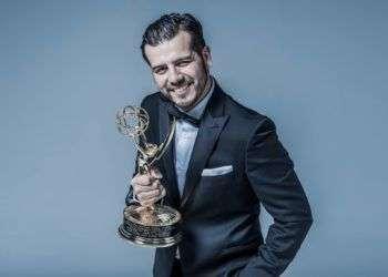 Andrés Lugo, realizador mexicano dos veces ganador de los Premios Emmy en Estados Unidos.