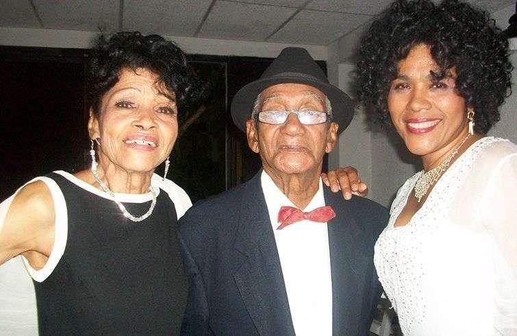 Amparo Valdés, Eloy Pozo y Emilia Morales, cantantes de Leyendas.COM. Foto: Tomada del Facebook de Cuban Old Music.