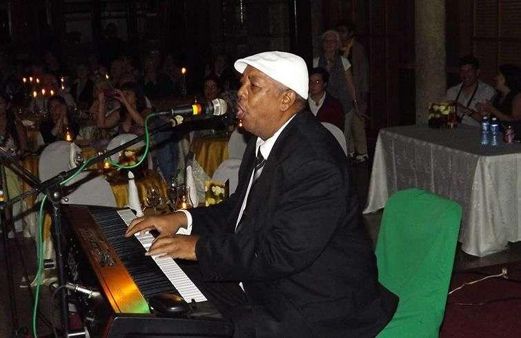 Jorge Boulet al piano. Foto: Tomada del Facebook de Cuban Old Music.