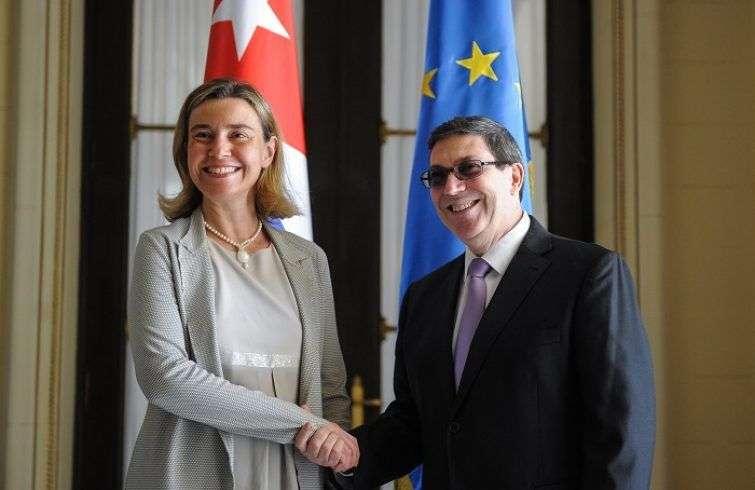 La alta representante de la Unión Europea (UE) para la Política Exterior, Federica Mogherini, y el canciller de Cuba, Bruno Rodríguez, durante visita oficial de Mogherini a la isla en 2018. Foto: EFE.
