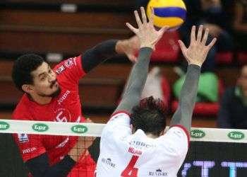 FFernando Hernández en pleno ataque. Foto: Power Volley Milano