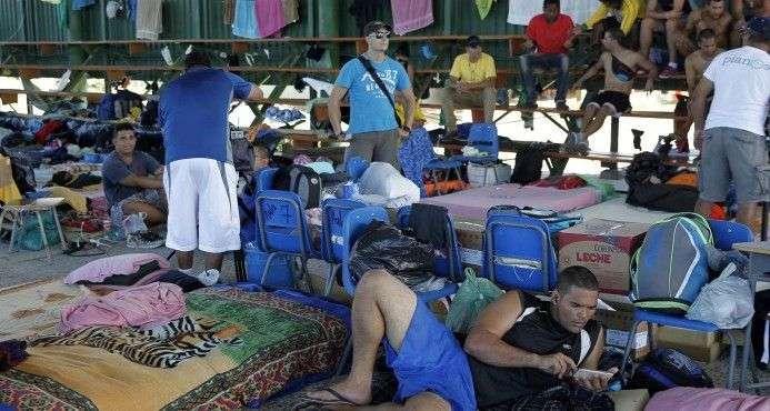 Cubanos en Costa Rica. Foto: EFE.