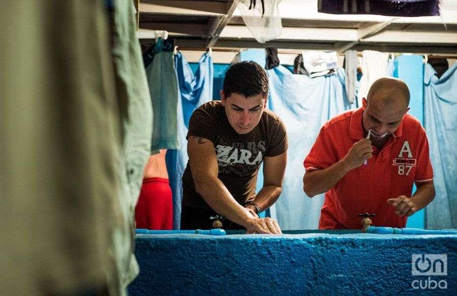 Cubanos. Refugio AMAR. Foto: Irina Dambrauskas.