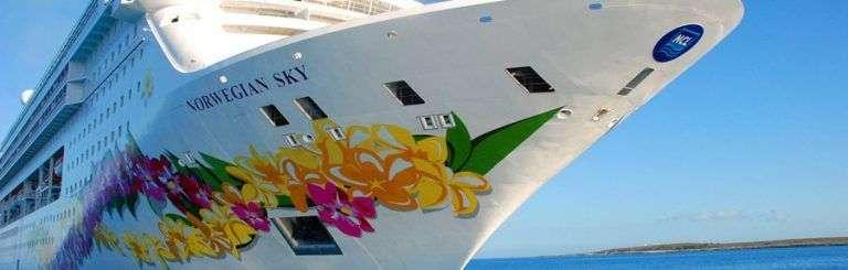 "El ""Norwegian Sky"". Foto: Cruise & Travel Lifestyles."